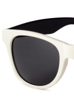 Sunglasses - Natural white - Men | H&M 3