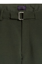 Shorts with fabric belt - Dark khaki green - Men | H&M 4