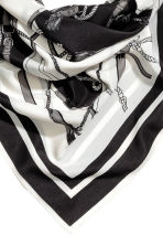 Woven scarf - Black/White/Patterned - Ladies | H&M CN 3