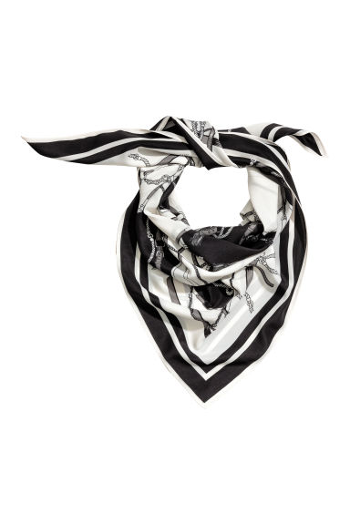 Woven scarf - Black/White/Patterned - Ladies | H&M CN 1