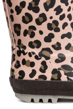 Patterned wellingtons - Light pink/Leopard print - Kids | H&M CN 4
