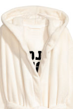Bademantel aus Fleece - Weiss/Pillow Fight - DAMEN | H&M CH 4