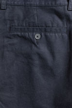 Knee-length cotton shorts - Dark blue - Men | H&M CN 3