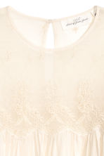 Blouse with a lace yoke - Natural white - Ladies | H&M CN 3