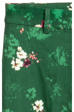 Tailored trousers - Green/Floral - Ladies | H&M IE 3