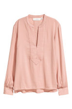 V-neck blouse - Powder beige - Ladies | H&M CN 2