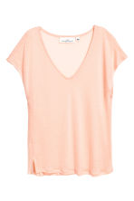 Lyocell V-neck top - Light apricot - Ladies | H&M 2