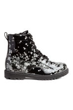 Fleece-lined boots - Black/Floral - Kids | H&M 1