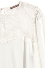 Blouse with a lace yoke - White - Ladies | H&M CN 3