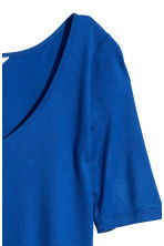 V-neck top - Bright blue - Ladies | H&M CN 3