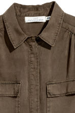Lyocell utility shirt - Khaki green - Ladies | H&M 3