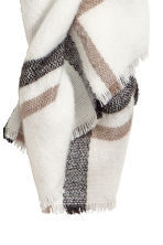 Large scarf - White/Checked - Ladies | H&M 3