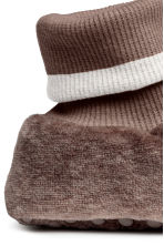 Chaussons en velours - Taupe/ours -  | H&M FR 4