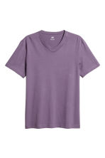 V-neck T-shirt Regular fit - Purple - Men | H&M CN 2