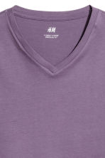 V-neck T-shirt Regular fit - Purple - Men | H&M CN 3