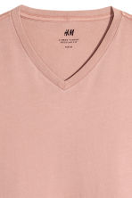 V-neck T-shirt Regular fit - Pale pink - Men | H&M 3