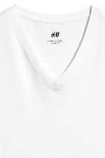 V-neck T-shirt Slim fit - White - Men | H&M CN 3