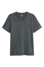 V-neck T-shirt Slim fit - Dark green/Narrow striped - Men | H&M CN 2