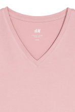 V-neck T-shirt Slim fit - Pink - Men | H&M CN 3