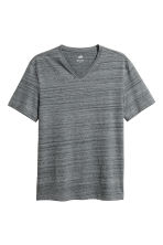 V-ringad t-shirt Regular fit - Mörkgrå - Men | H&M FI 1