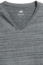 V-neck T-shirt Regular fit - Dark grey - Men | H&M 2