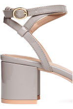 Patent sandals - Light grey - Ladies | H&M CN 4
