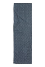 Patterned table runner - Dark blue/White patterned - Home All | H&M GB 2