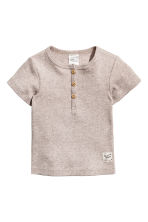 Short-sleeved Henley shirt - Light mole -  | H&M CN 1