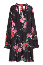Patterned chiffon dress - Black/Floral - Ladies | H&M IE 2