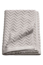 Jacquard-patterned bath towel - Light grey - Home All | H&M CN 1