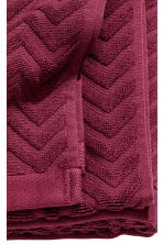 Jacquard-patterned bath towel - Burgundy - Home All | H&M CN 3
