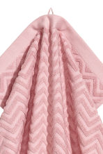 Jacquard-patterned towel - Light pink - Home All | H&M CN 2