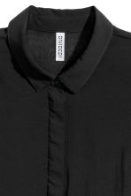 Wide shirt - Black - Ladies | H&M CN 4