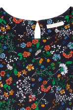 Crêpe top - Black/Floral - Ladies | H&M 3