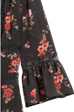 Crêpe dress - Black/Roses - Ladies | H&M 3