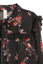 Blouse with ties - Black - Ladies | H&M 3