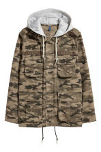 Short parka with a hood - Khaki green/Patterned - Men | H&M CN 2