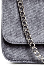 Velvet shoulder bag - Dark grey - Ladies | H&M 3