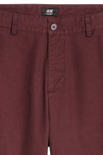 Relaxed chinos - Burgundy - Men | H&M 4