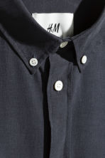 Cupro-blend shirt - Dark blue - Men | H&M 3