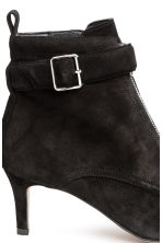 Suede kitten-heel boots - Black - Ladies | H&M 4