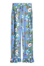 Wide frill-hemmed trousers - Blue/Floral - Ladies | H&M 2