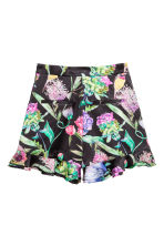 Frilled satin shorts - Black/Floral -  | H&M GB 3