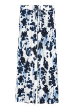 Wide trousers - White/Dark blue - Ladies | H&M CN 2