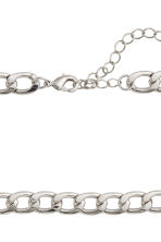 Short necklace - Silver-coloured -  | H&M 2