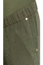 MAMA Jacquard-weave trousers - Khaki green - Ladies | H&M 3