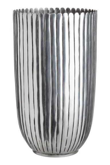 Tall metal vase - Silver-coloured - Home All | H&M CN 1