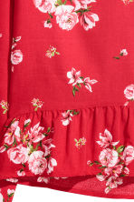 Blouse with a flounced hem - Red/Floral - Ladies | H&M 3