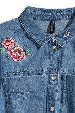 Denim dress with embroidery - Denim blue - Ladies | H&M CN 3