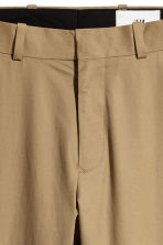Cropped cotton-blend chinos - Dark beige - Men | H&M CN 6